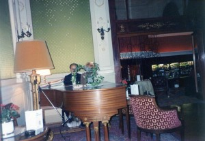 Piano - Montraux Palace Swiss 1990-1993